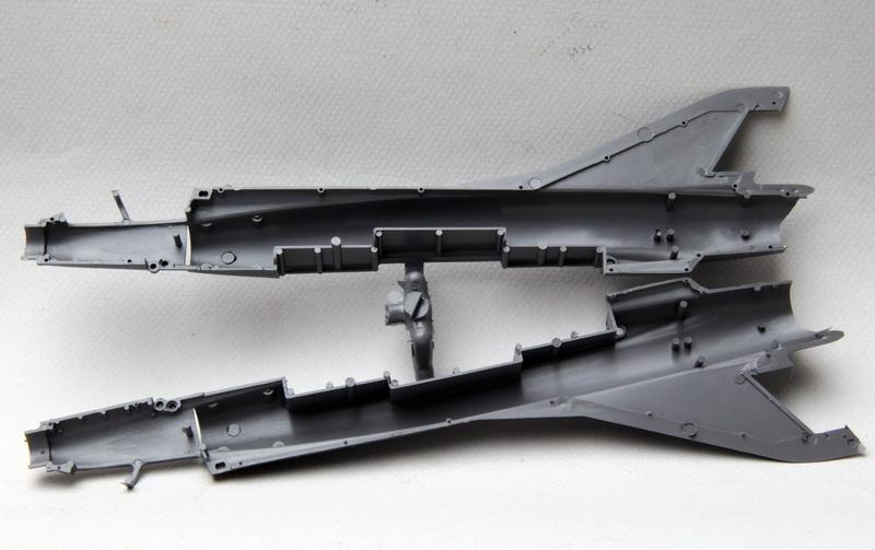Heller-Buzco_Mirage_IIIR_1-50_02.jpg
