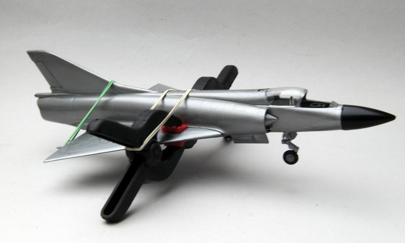 Heller-Buzco_Mirage_IIIR_1-50_montage_10