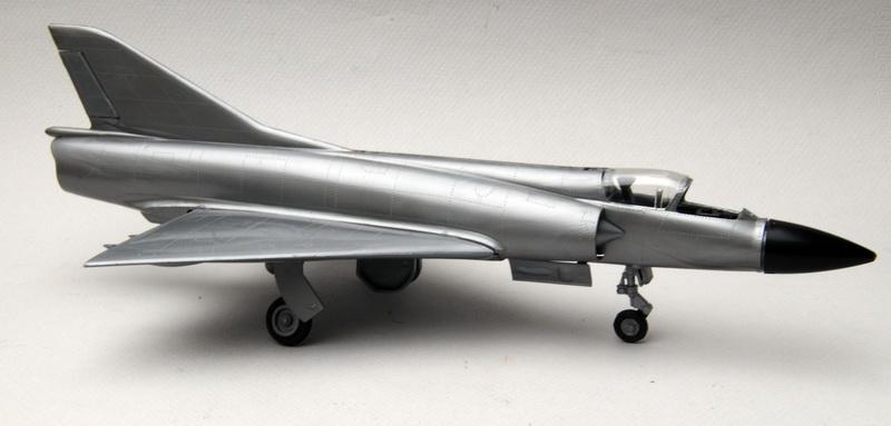 Heller-Buzco_Mirage_IIIR_1-50_montage_12