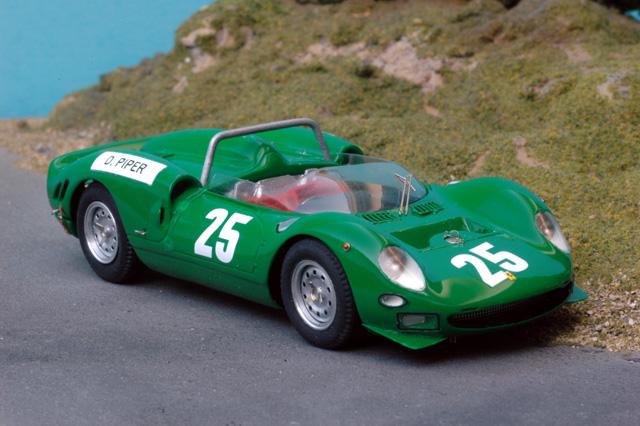43-63b_Ferrari_365P2_Piper_Brands-Hatch_1965-2